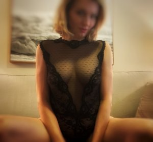 Maryne facesitting tantra massage in Bridgetown